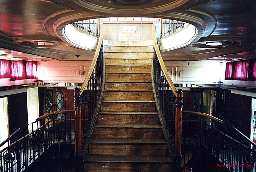 Szőke Tisza maga nemében egyedülálló lépcsőháza (Fotó: Ráday Mihály)